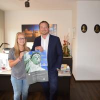 MdB Uli Grötsch mit PPP-Stipendiatin Julia Weig aus Floß